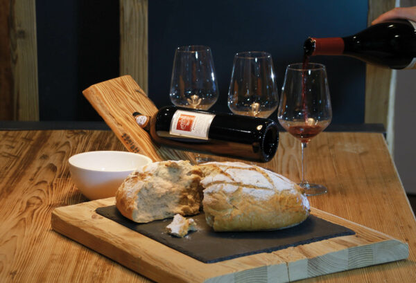 Edelalt Genussmomente Brot und Wein